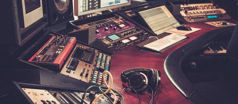 10 Home Recording Studio Essentials