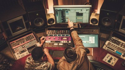 The Truth About Ghost Producers – What the Industry Doesn't Want You to Know